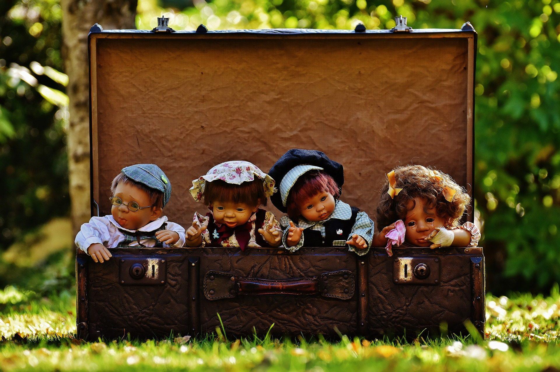 dolls-1706173_1920.jpg
