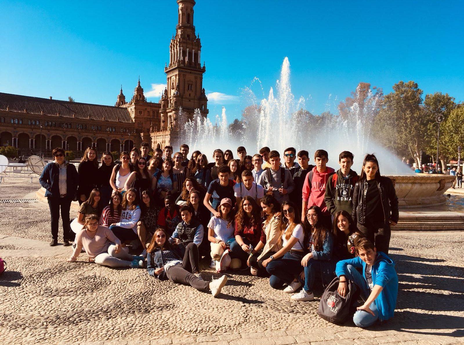 Voici le groupe de nos élèves: espagnols et français.